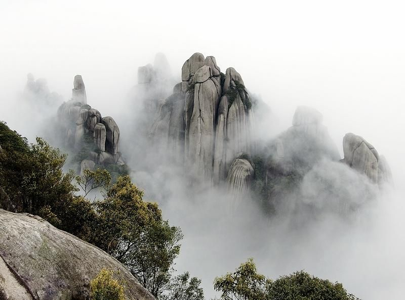 Depicts nature in its pure natural form and is representative of the Dao